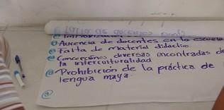 Jóvenes lingüistas mayas